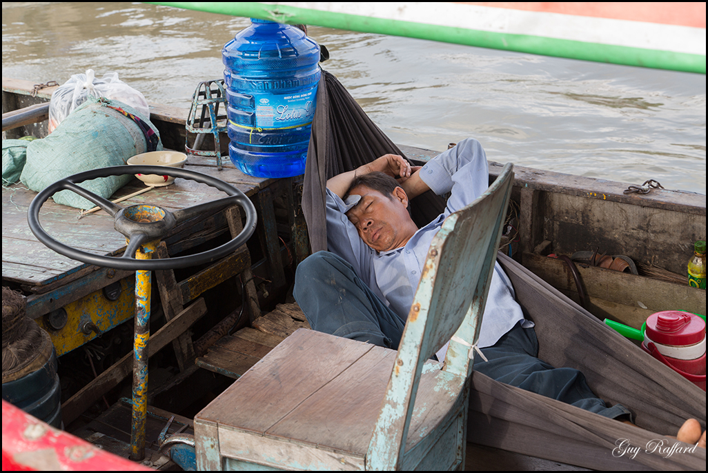 Dans la barque